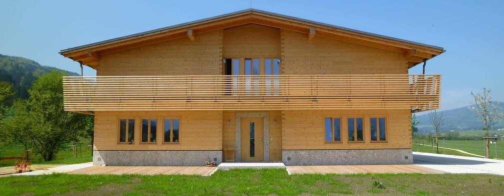 Projekty, wiejskie Domy zaprojektowane przez SilvestrinDesign