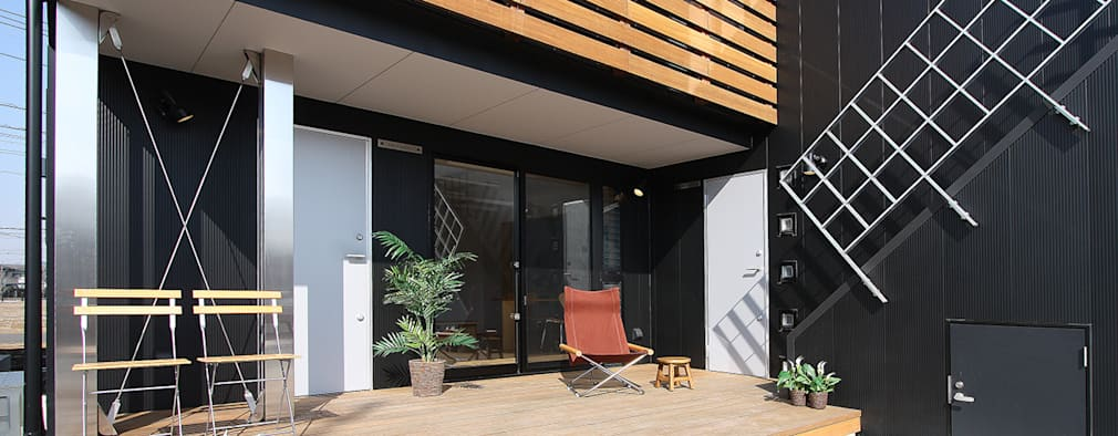 Patios & Decks by 遠藤浩建築設計事務所 H,ENDOH  ARCHTECT  &  ASSOCIATES