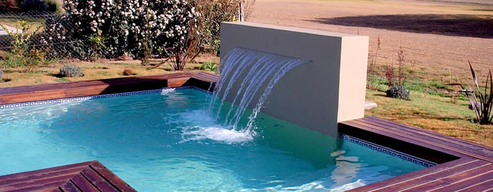 15 piscinas peque as y espectaculares para tu casa for Piscina espacio reducido