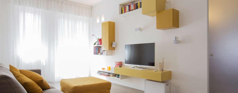 Salas de estilo minimalista por ristrutturami