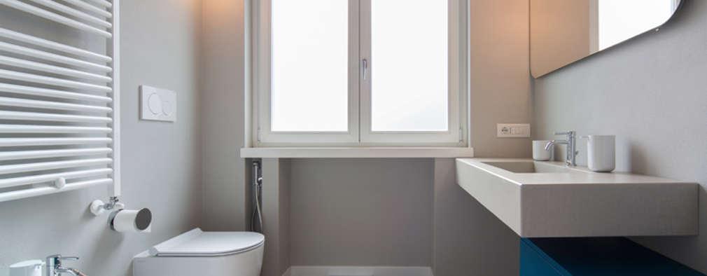 minimalistic Bathroom by ristrutturami