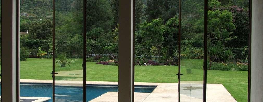 13 fant sticas ideas de puertas para la terraza for Modelos de mamparas de madera para sala