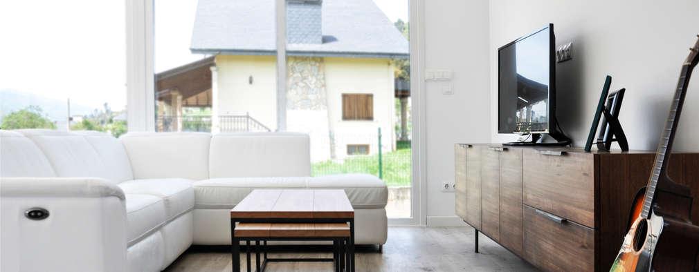 Phòng khách by Casas Cube