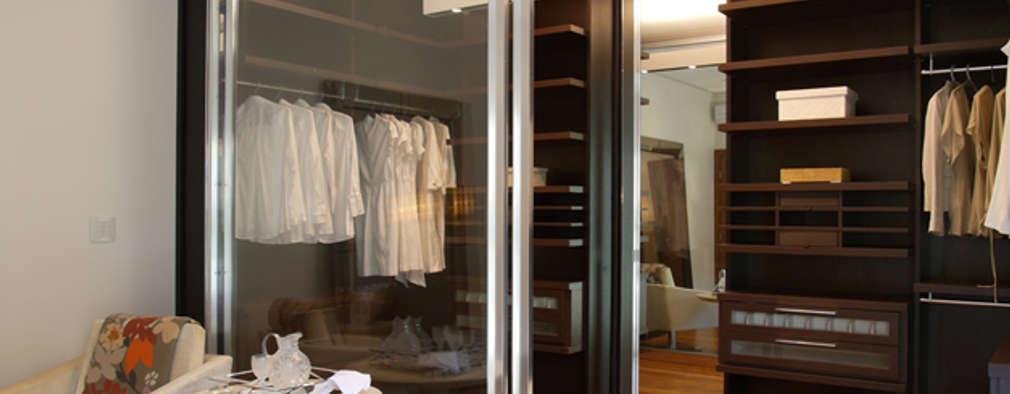 غرفة الملابس تنفيذ Denise Barretto Arquitetura