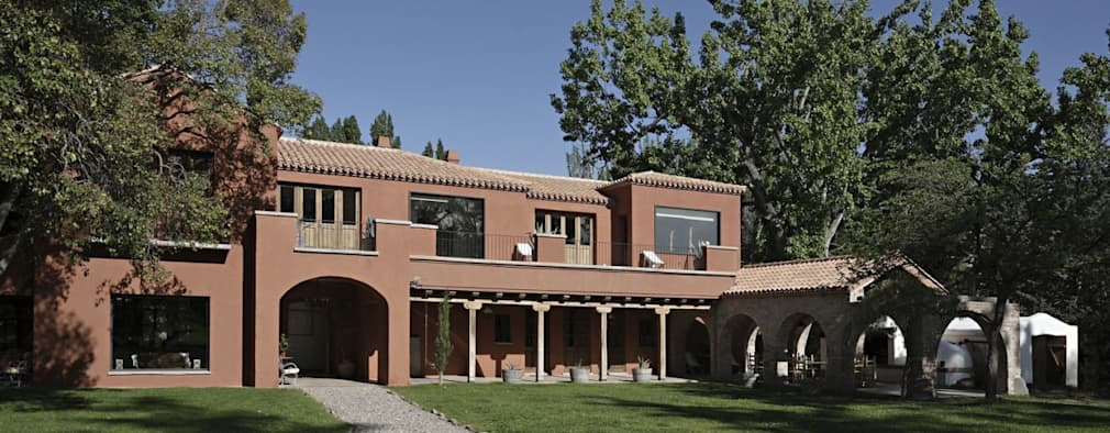 Chalet Atamisque: Casas de estilo rústico por Bórmida & Yanzón arquitectos