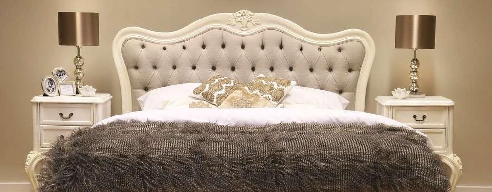 klassische Schlafzimmer von CROWN FRENCH FURNITURE