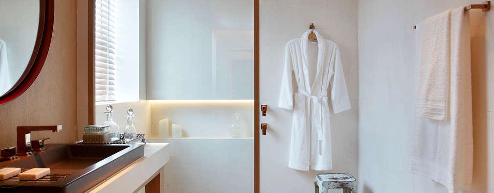 Salle de bains de style  par BC Arquitetos
