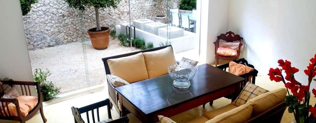 8 ideas con piedra para las paredes de tu jard n for Ideas para decorar paredes de patios