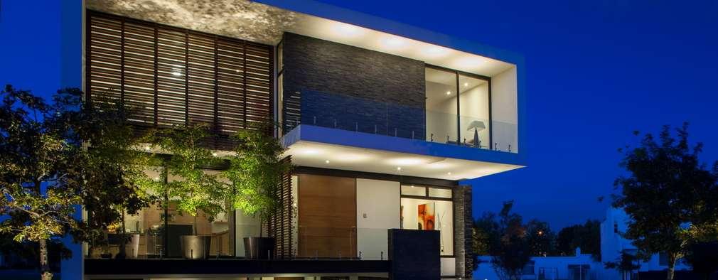moderne Huizen door GLR Arquitectos
