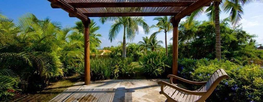 15 p rgolas y porches de madera ideales para casas peque as for Porches de casas pequenas
