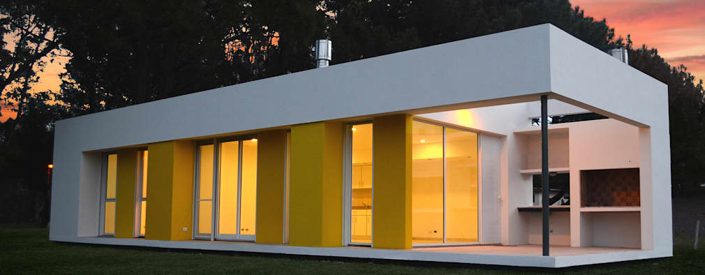 Casas de estilo moderno por Estudio Moirë arqs.