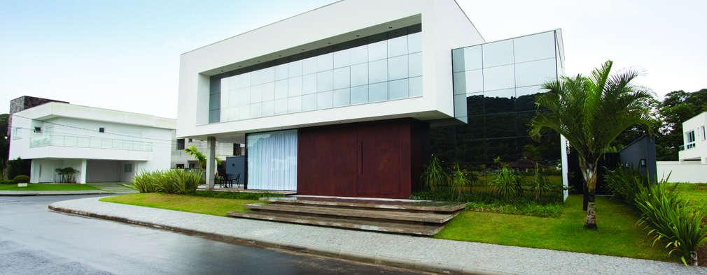 庭院 by ZAAV Arquitetura