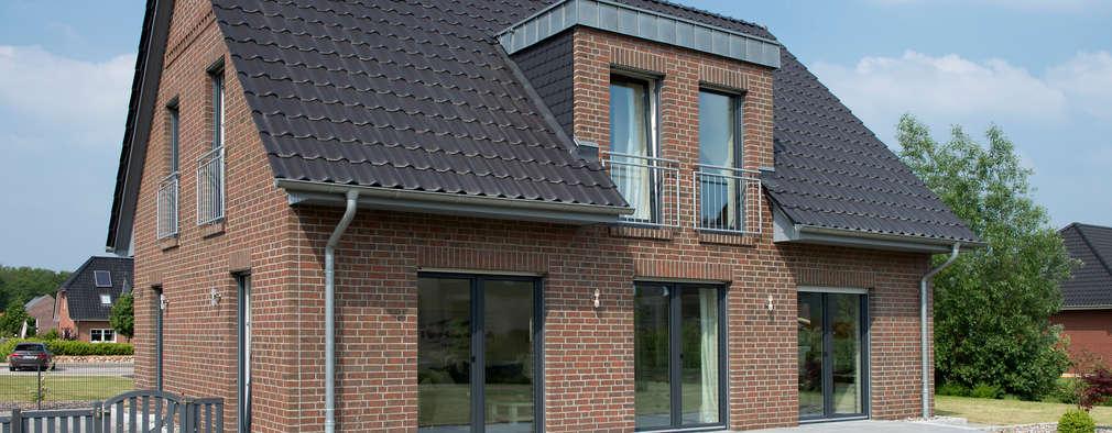 Projekty, klasyczne Domy zaprojektowane przez Heinz von Heiden GmbH Massivhäuser