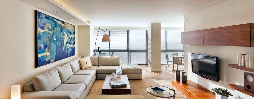 Sala de estar: Salas de estilo moderno por Weber Arquitectos