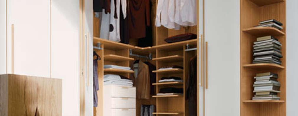 Dormitorios de estilo moderno por Bravo London Ltd