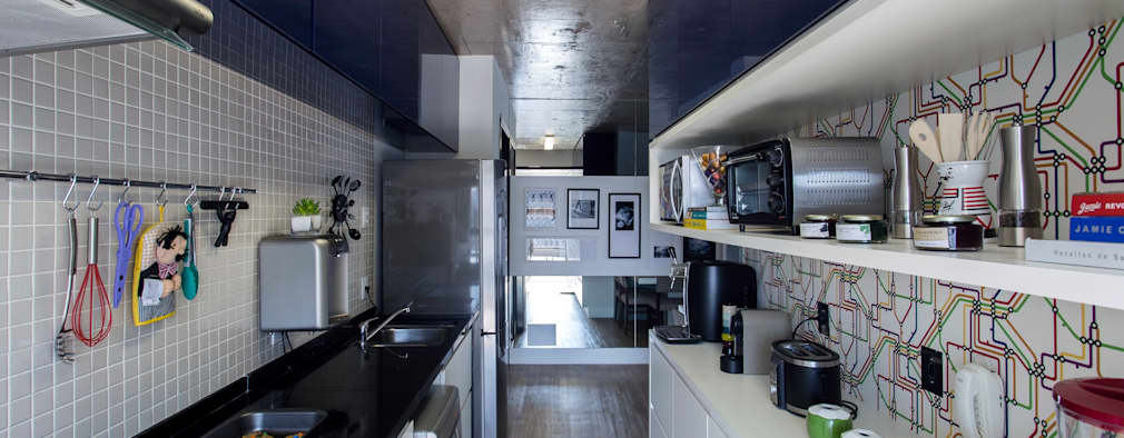 Cocinas de estilo moderno por Adriana Pierantoni Arquitetura & Design