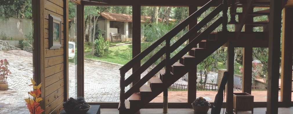 Escada em madeira: Janelas   por Moradaverde Arquitetura