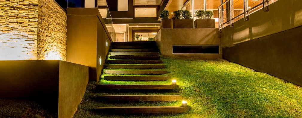 Projekty, nowoczesne Domy zaprojektowane przez Saez Sanchez. Arquitectos