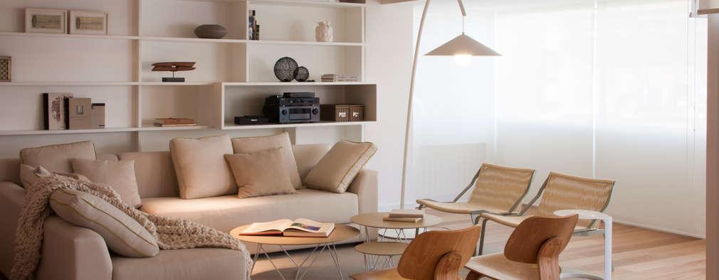 Projekty,  Salon zaprojektowane przez Paula Herrero   Arquitectura