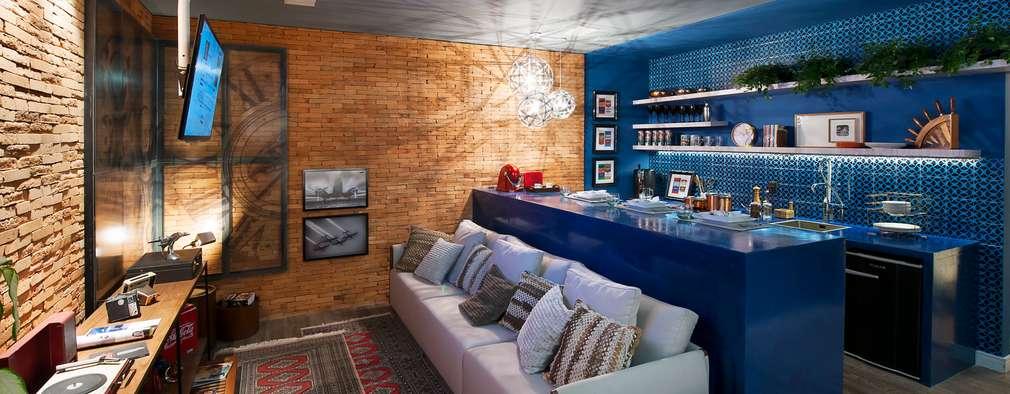 Projekty,  Salon zaprojektowane przez Cristiane Locatelli Arquitetos & Associados