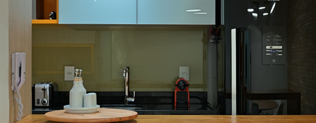 minimalistic Kitchen by Lucas Lage Arquitetura