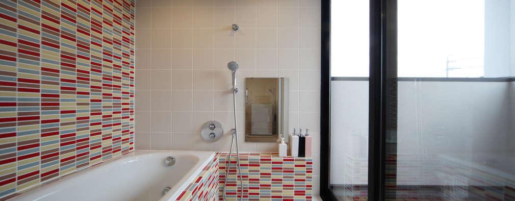 稚児宮通の家: 加門建築設計室が手掛けた浴室です。