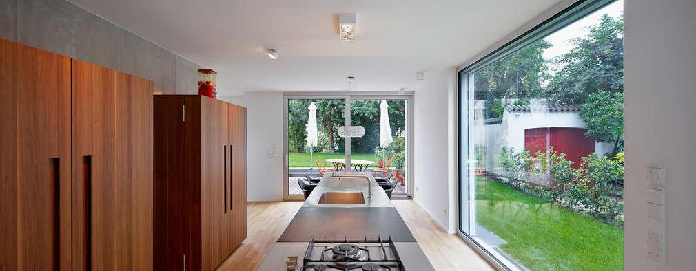 Einfamilienhaus zeigt sich im sch nsten minimalismus for Minimalismus im haushalt