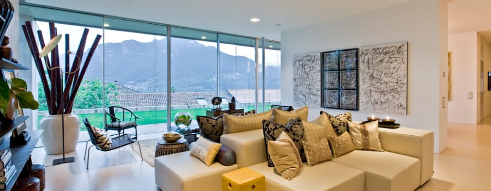 eclectic Living room by Viterbo Interior design