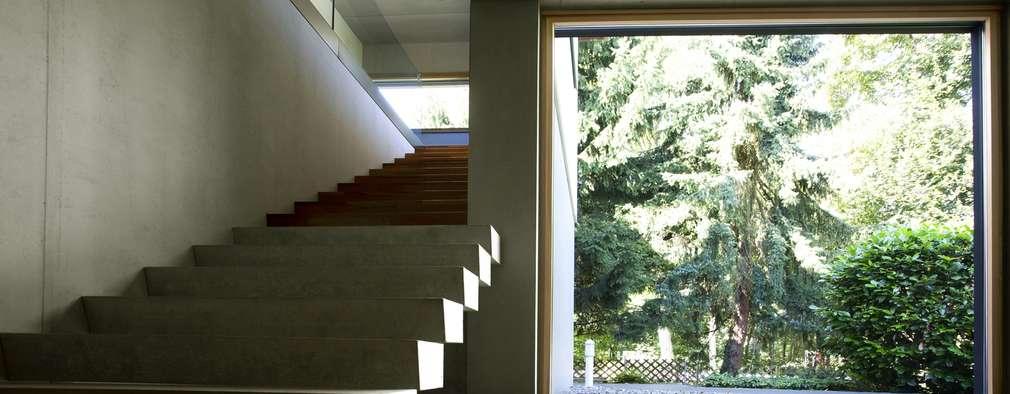 Großformatige Aluminium-Holz-Fenster:   von Kneer GmbH, Fenster und Türen