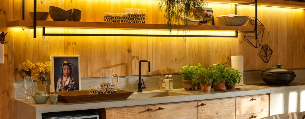 Cocinas de estilo tropical por Marina Linhares Decoração de Interiores