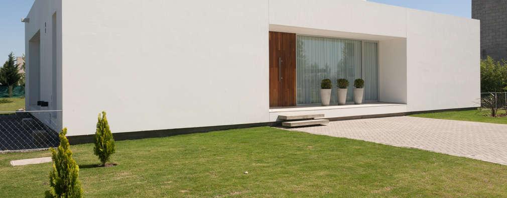 Maisons de style de style Moderne par VISMARACORSI ARQUITECTOS