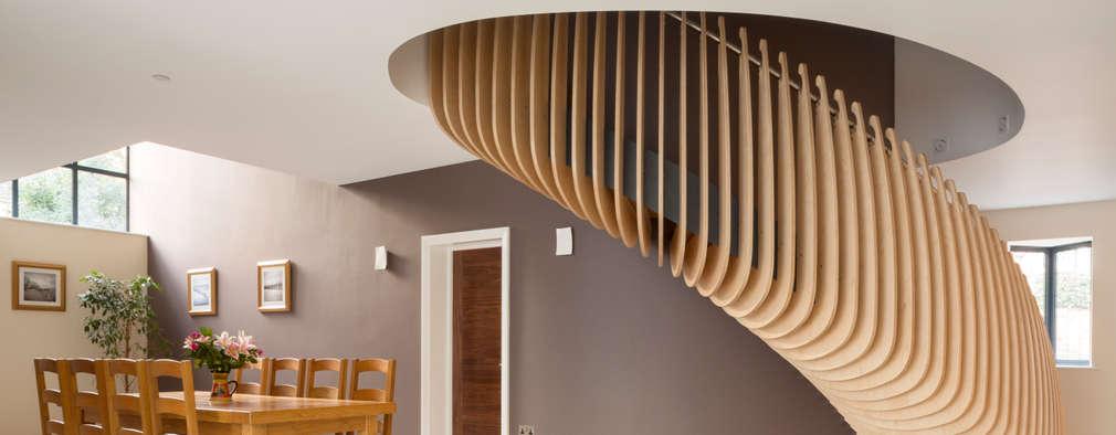 Pasillos y hall de entrada de estilo  por Frost Architects Ltd