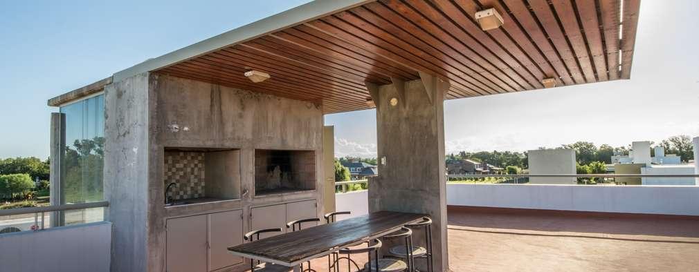 7 dise os de techos de madera para patios bellos y seguros for Tejados de madera modernos