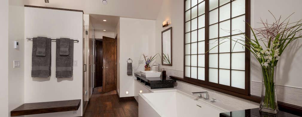 Ванные комнаты в . Автор – Penguin Environmental Design L.L.C.