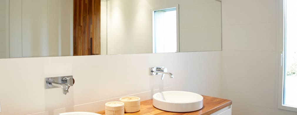 minimalistische Badkamer door Emilie Bigorne, architecte d'intérieur CFAI