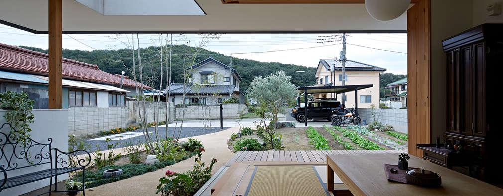 岩宿の家: arc-dが手掛けたリビングです。
