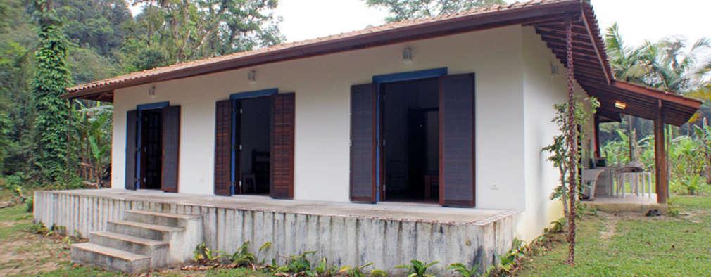 Projekty, kolonialne Domy zaprojektowane przez RAC ARQUITETURA