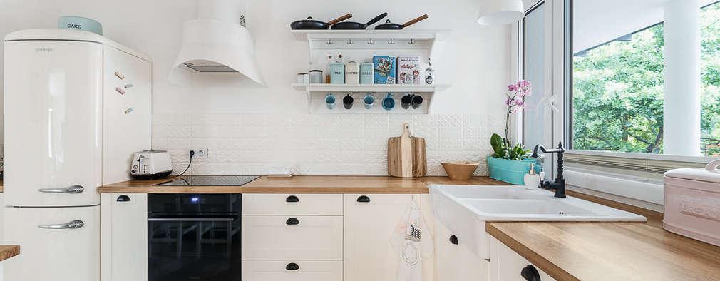 scandinavian Kitchen by PracowniaPolka