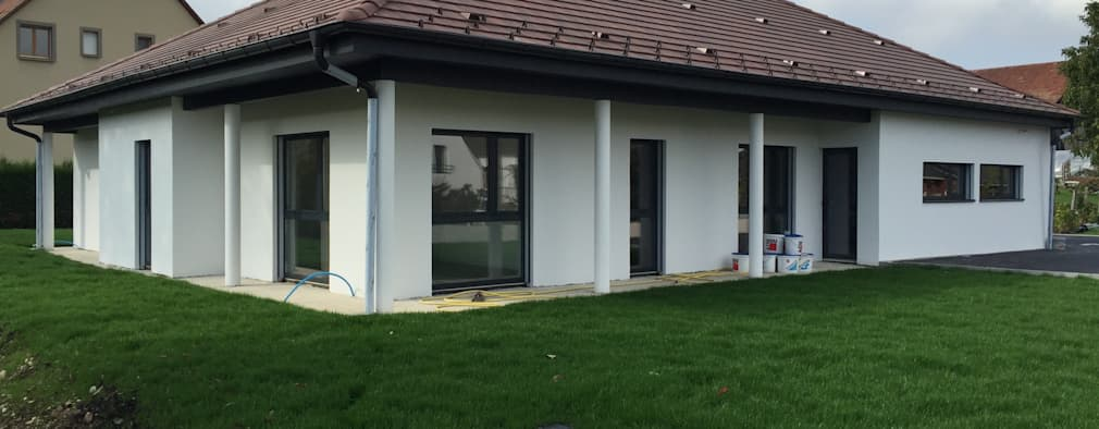Casas de estilo clásico por A.FUKE-PRIGENT ARCHITECTE
