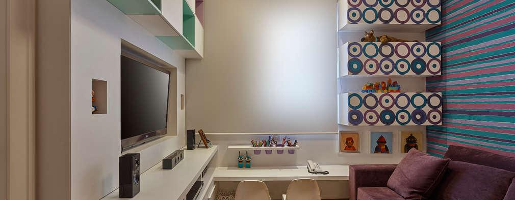 غرفة الميديا تنفيذ Isabela Canaan Arquitetos e Associados
