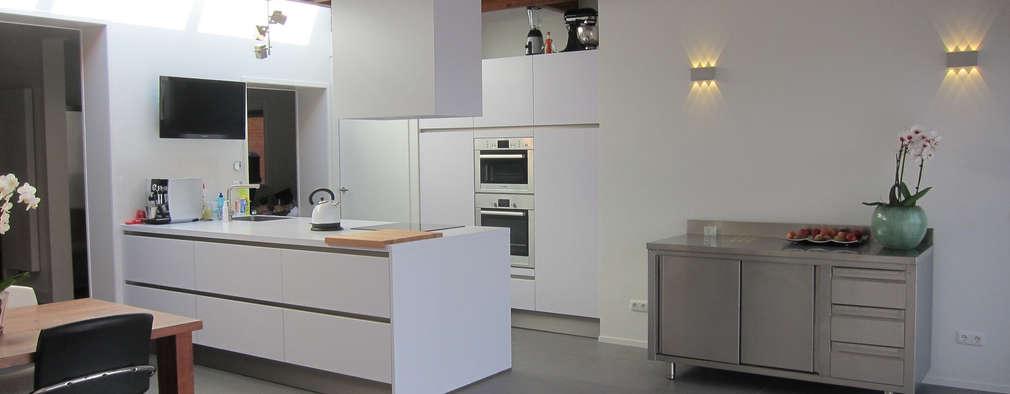 modern Kitchen by Heldoorn Ruedisulj Architecten