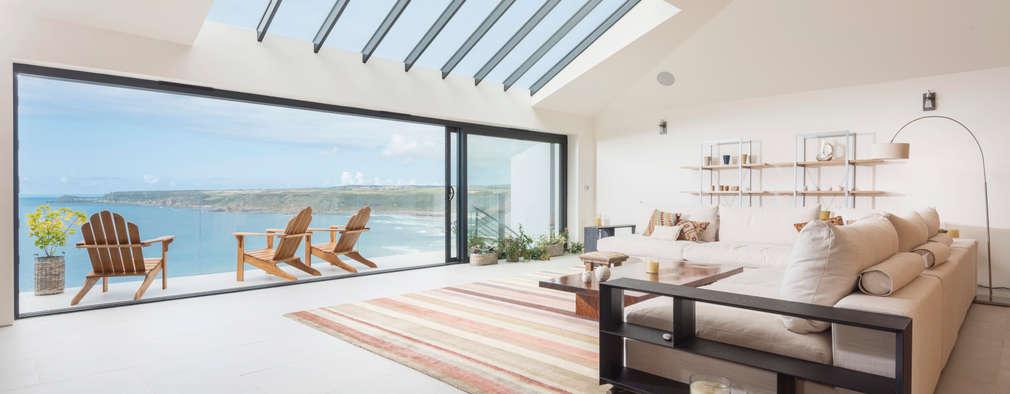 Ruang Keluarga by Laurence Associates