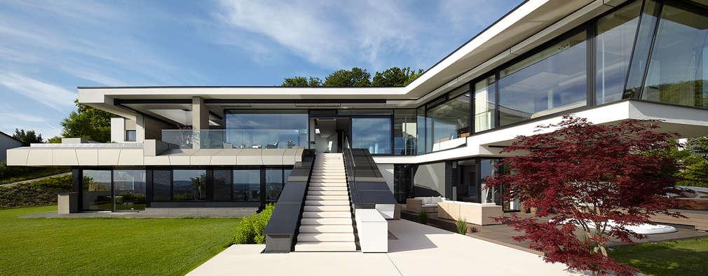 Projekty, nowoczesne Domy zaprojektowane przez LEE+MIR