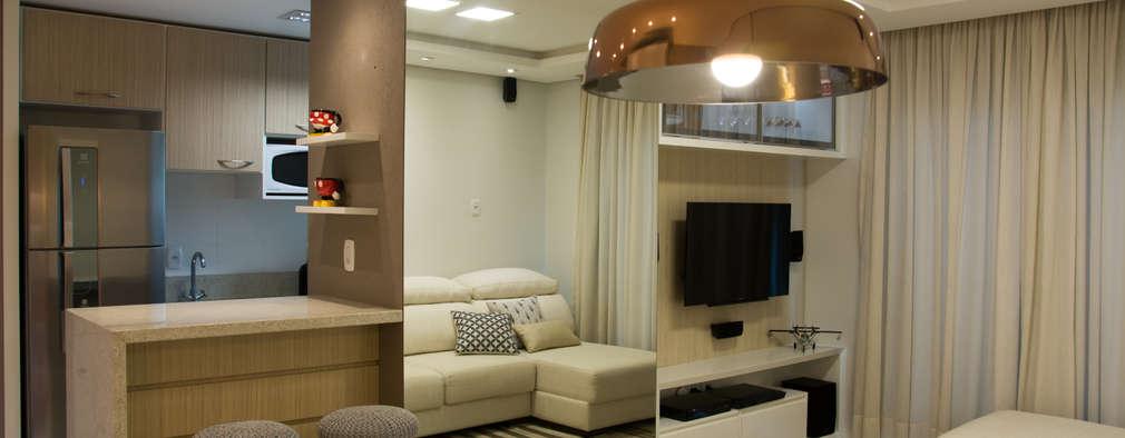Salas de estar modernas por ARQ Ana Lore Burliga Miranda
