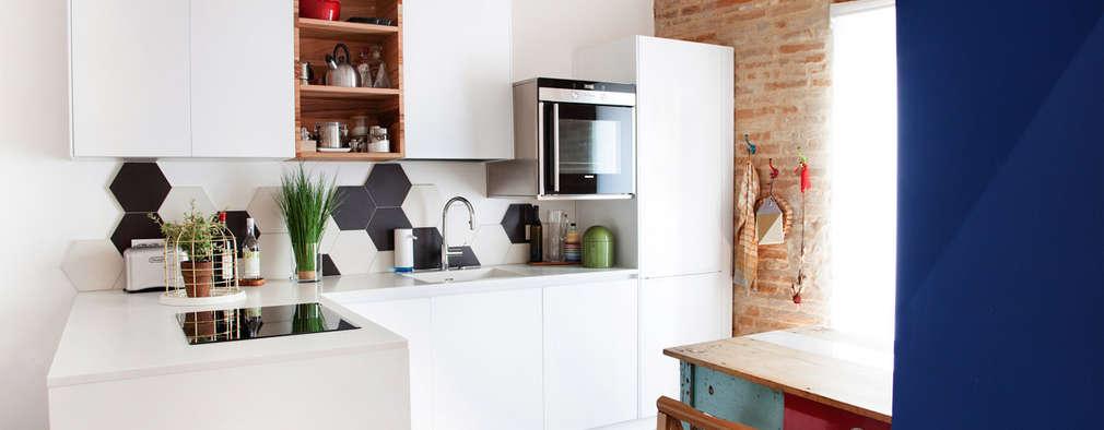 mediterranean Kitchen by Ossigeno Architettura
