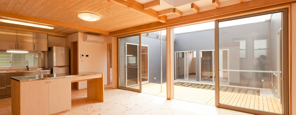 Ruang Keluarga by 有限会社 宮本建築アトリエ