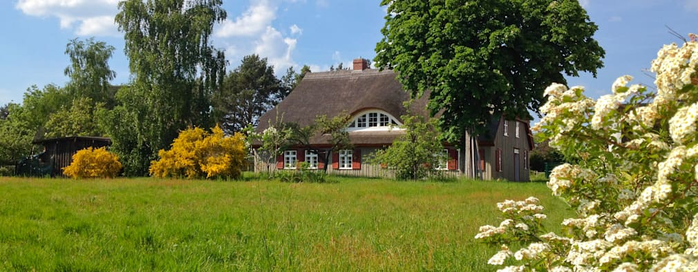 country Houses by Planungsgruppe Barthelmey
