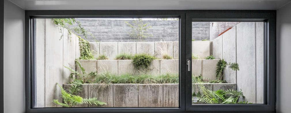 modern Garden by Corneille Uedingslohmann Architekten