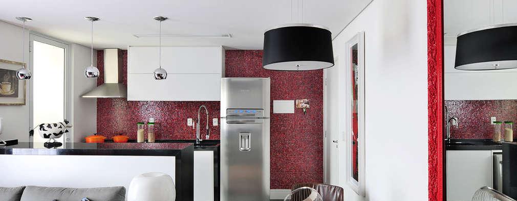 Apartamento no Campo Belo: Salas de jantar minimalistas por Mario Catani - Arquitetura e Decoração