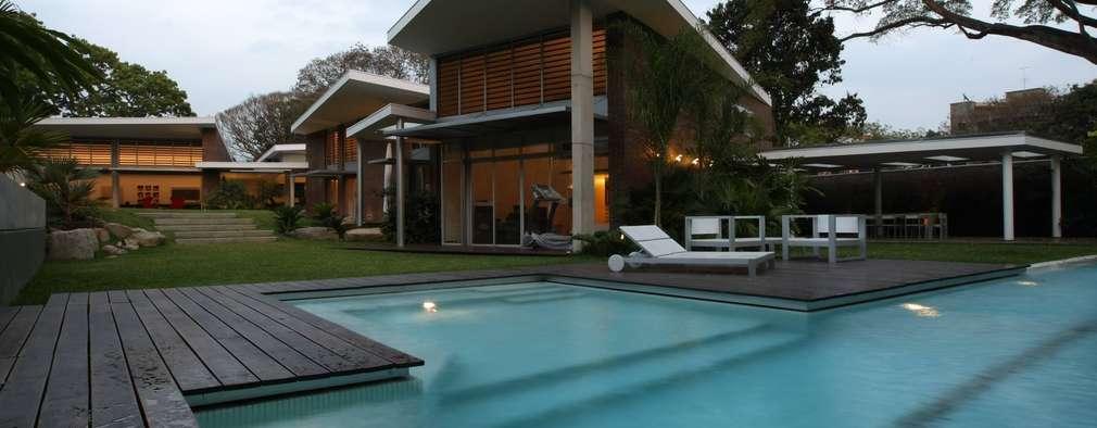 Piscinas de estilo moderno por oda - oficina de arquitectura